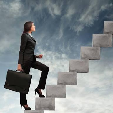 Bir işte yükselmek, makam sahibi olmak, kaybettiği işe geri dönmek için