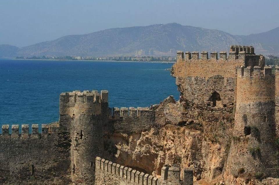 Doğu Roma, Kilikya Ermeni Krallığı, Selçuklular, Karamanoğlu v Osmanlı